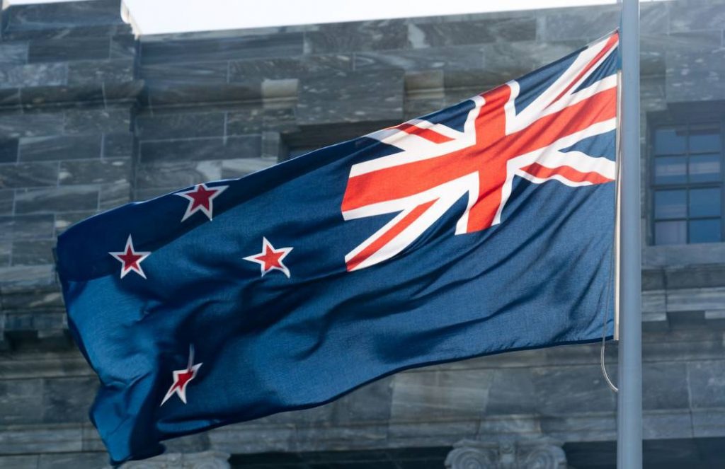 甩给朋友吧。2020新西兰移民方式全解析