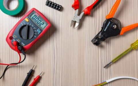 如何在新西兰成为一名专业的合格电工?